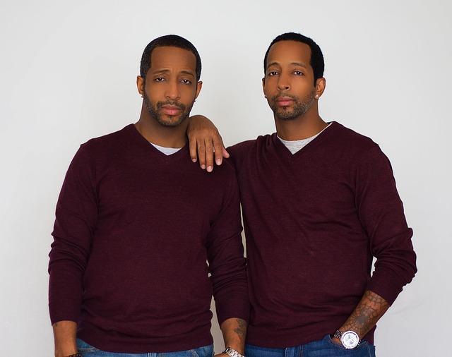 muži dvojčata