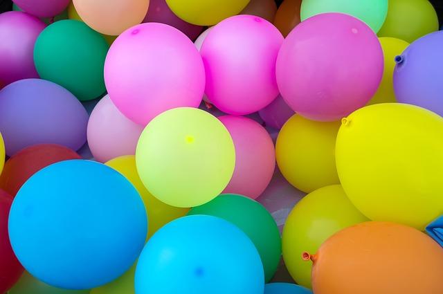 Barevné nafukovací balonky