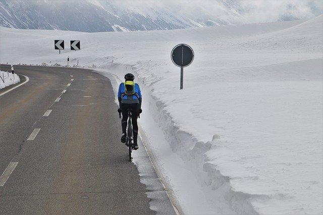 Cyklista v zimě
